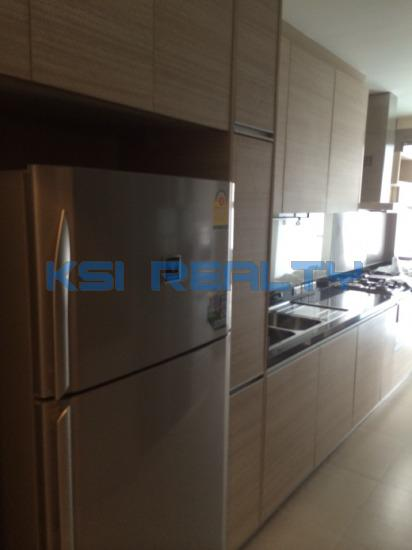 3 Bedroom Condo in Watthana, Bangkok  8237197