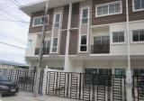 New TownHome For Rent, 3 Air Condition, 1 Kitchen Room and 2 Cars Park - DDproperty.com