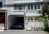 Phorm Phong Thong Lo 3 story town house for rent suit for home office spa cafe salon etc. - DDproperty.com