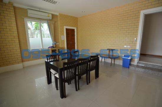 4 Bedroom Detached House in ,  ห้องเอนกประสงค์ 11947694