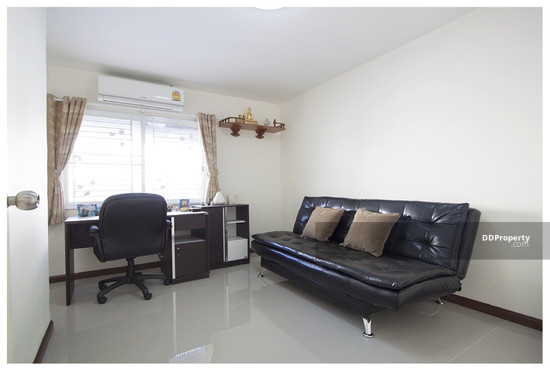 2 Bedroom Townhouse in Prawet, Bangkok  64873854