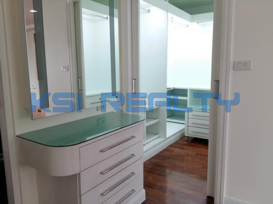 3 Bedroom Condo in Watthana, Bangkok  60080816