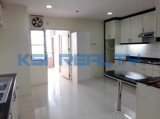 3 Bedroom Condo in Watthana, Bangkok  60080857