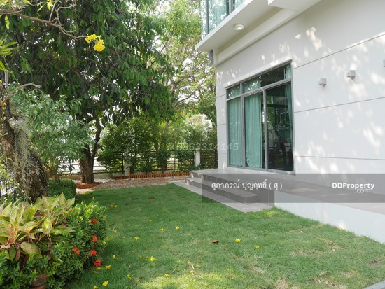 4 Bedroom Detached House in Muang Nonthaburi, Nonthaburi  65752586