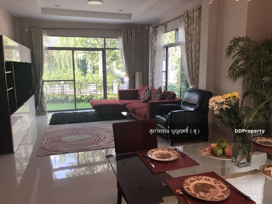 4 Bedroom Detached House in Muang Nonthaburi, Nonthaburi  66013947