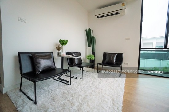 3 Bedroom Detached House in Lat Phrao, Bangkok  64407357