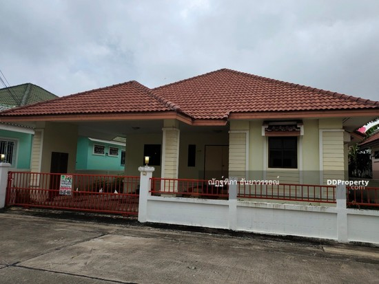 3 Bedroom Detached House in ,   77483182