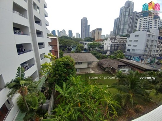 5 Bedroom Townhouse in Watthana, Bangkok  68383791