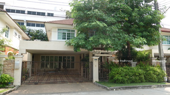 4 Bedroom Detached House in Phra Khanong, Bangkok  74576181