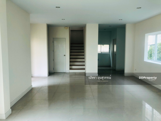 3 Bedroom Detached House in Saphan Sung, Bangkok  75264909