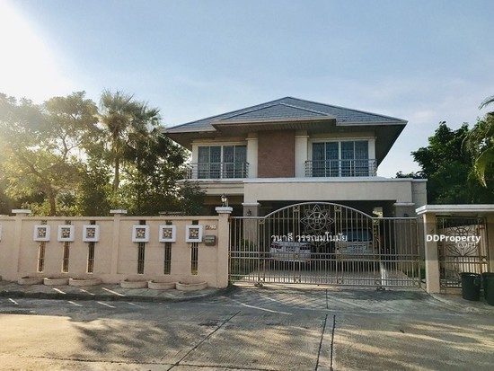 5 Bedroom Detached House in Thawi Watthana, Bangkok  76010514