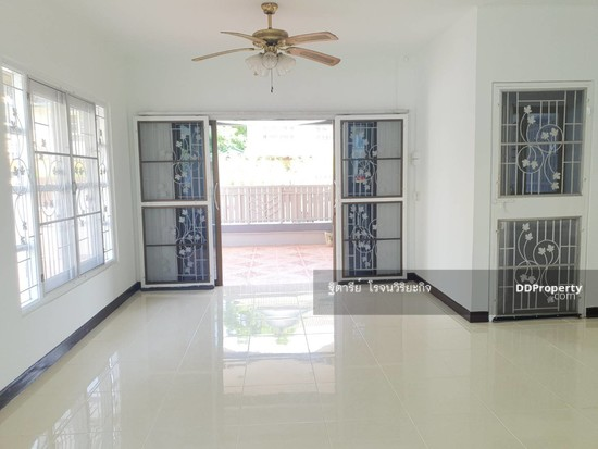 4 Bedroom Detached House in Bang Yai, Nonthaburi  76340323