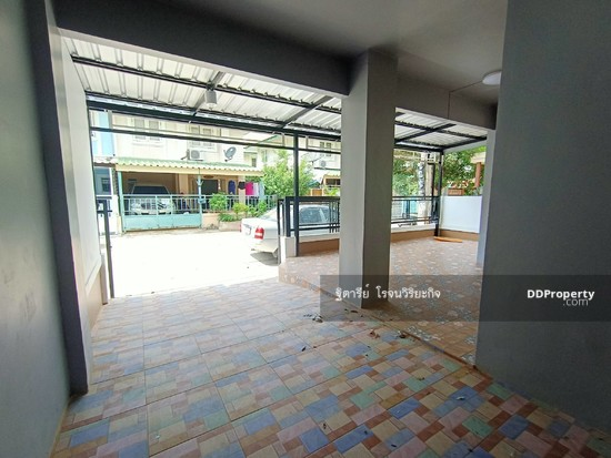 3 Bedroom Townhouse in Khlong Luang, Pathum Thani  76344633