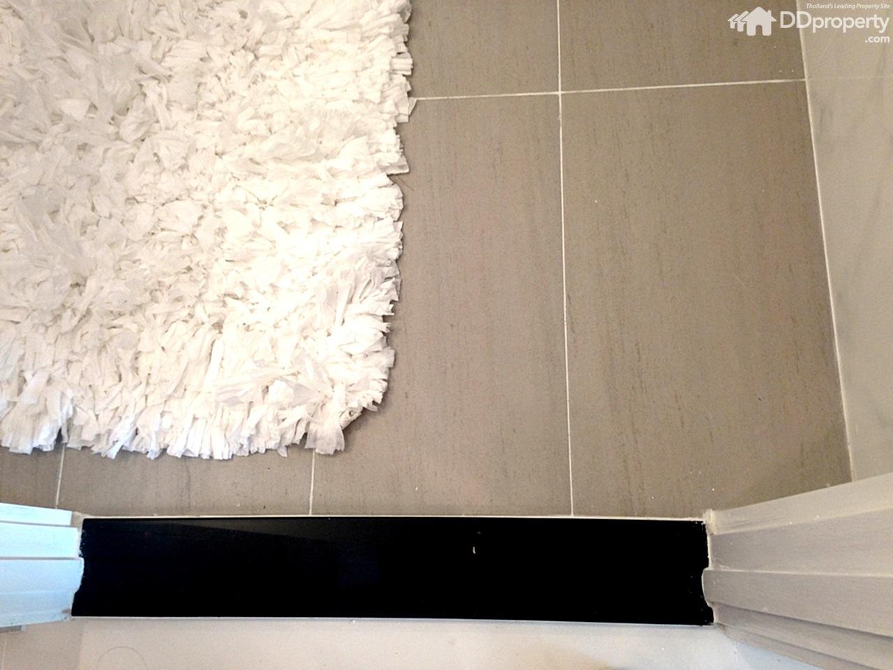 Project review supalai riva grande for Riva laminate flooring