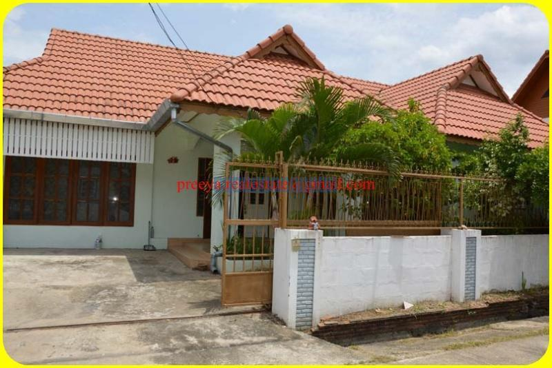 One story house for rent near meechok for Single story homes for rent near me