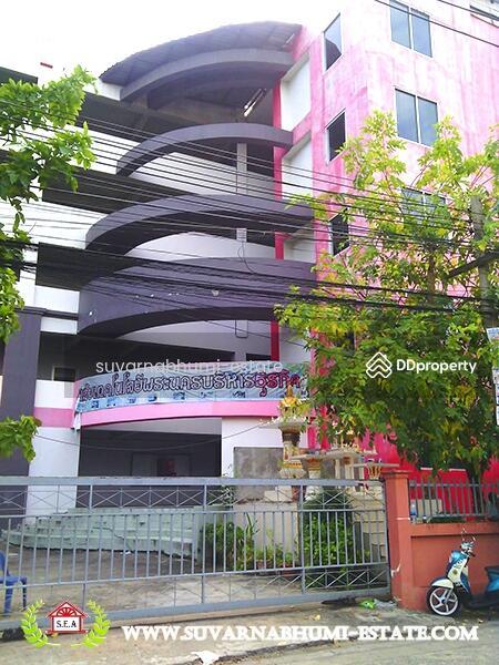 อาคารโรงเรียน 5 ชั้น เสรีไทย #8383373
