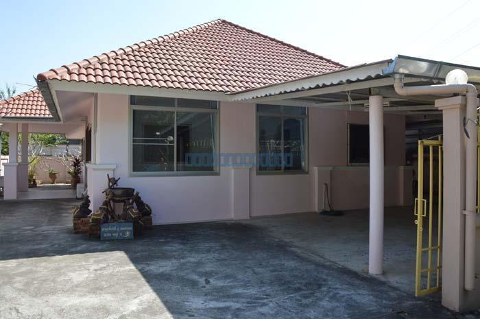 One story house for rent near central festival on 700 year for Single story homes for rent near me