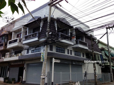 For Sale - C9MG0122 A commercial building for sale with 3 bedrooms, 28. 3 sq. wah near Chiangmai train station