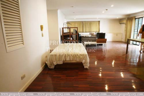 Duplex Penthouse 3 1 Bedrooms For Sale On Sukhumvit 59 With A Good Price 170