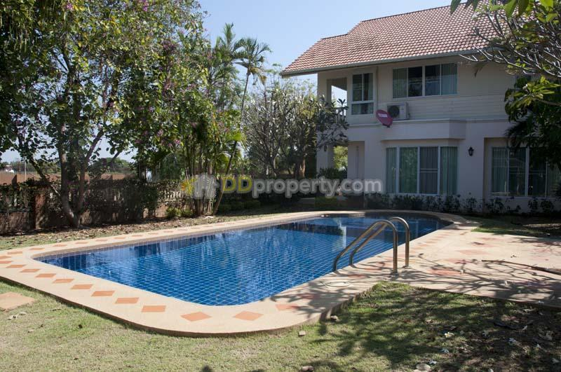 House for rent with private swimming pool close to royal park rajapruek in chiangmai soi huai for Chiang mai house for rent swimming pool