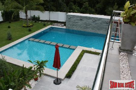 Modern Five Bedroom House With Private Swimming Pool And Large Garden For Sale
