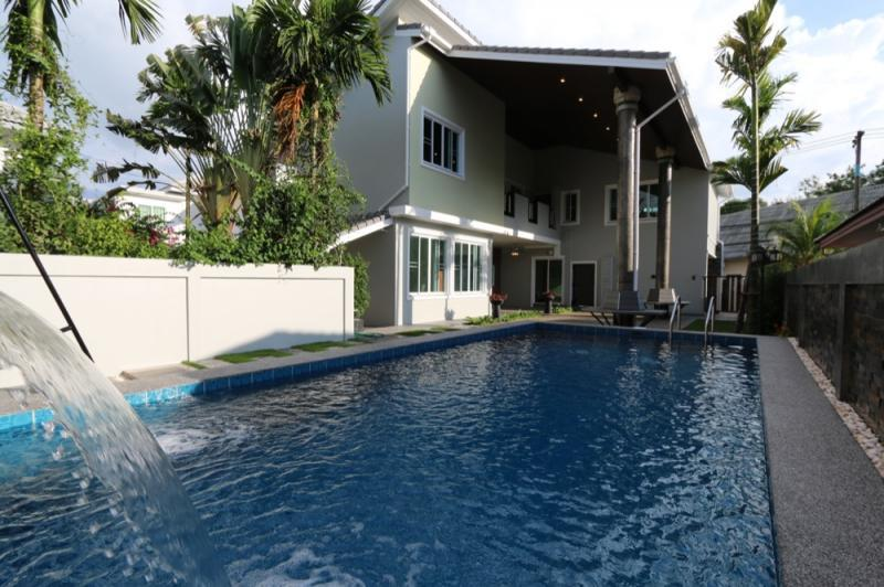 Above Ground Pools With Complete Assembly Kits