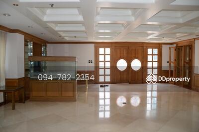 For Sale - Luxury Penthouse! ! 391 Sqm (Duplex), Condo Century Height Sukhumvit23 near BTS Asoke Special Price! !!