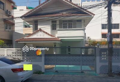 For Rent - ให้เช่า บ้านเดี่ยว2ชั้น 65ตรว. ถนน สุขุมวิท70  ใกล้BTSอุดมสุข  เพียง500เมตร  ให้เช่า30, 000/เดือน
