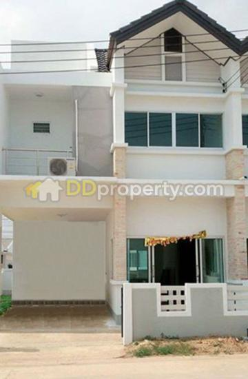 5a2mg0273 Two Storey Townhome For Rent With 3 Bedrooms And 3 Bathrooms 6 000 Baht Per Month