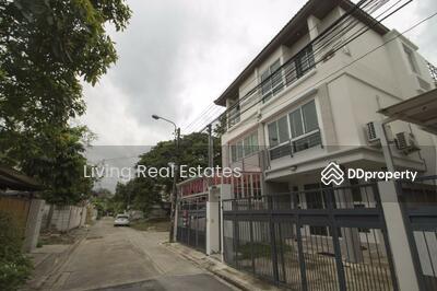ให้เช่า - A4230161 ให้เช่า บ้านแฝด 3 ชั้น ซอยรัชดา32   ขนาด 21 ตรว. 4นอน4น้ำ ทำเลดี