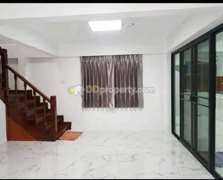 3 Bedroom Townhouse in Muang Samut Prakarn, Samut Prakan #59428513