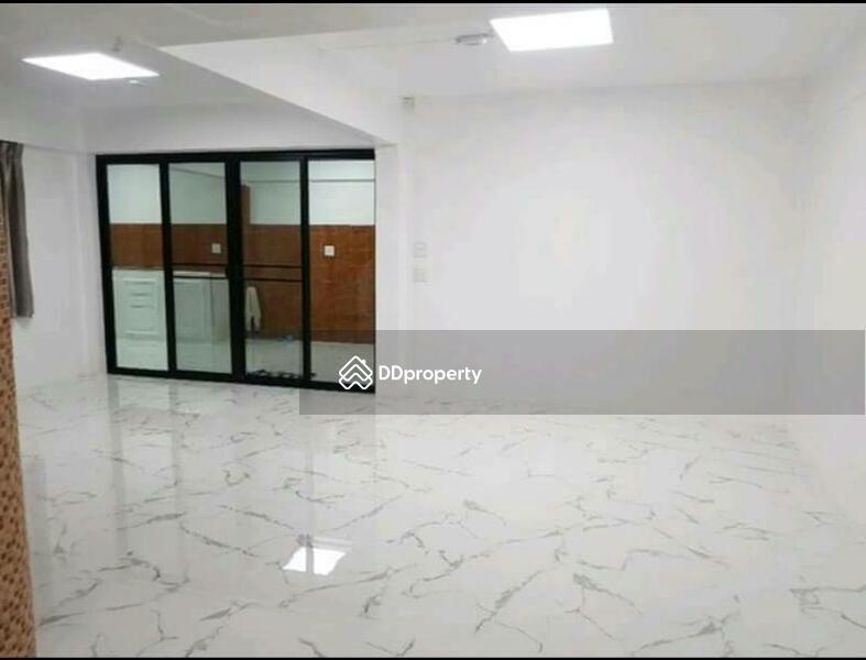 3 Bedroom Townhouse in Muang Samut Prakarn, Samut Prakan #59428515