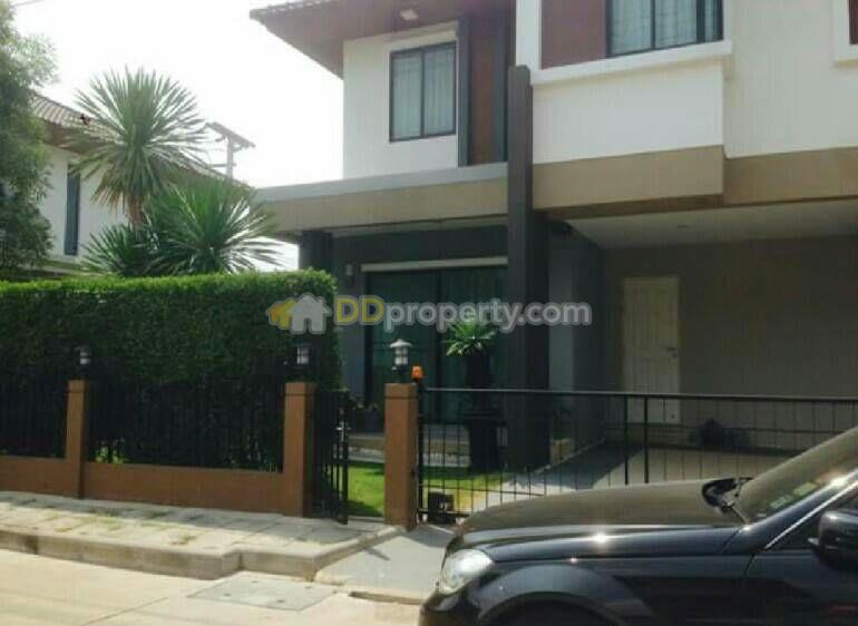Detached House in Muang Pathum Thani, Pathum Thani #60217329