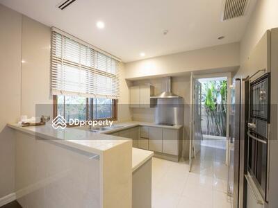 Detached House For Rent, near Ekkamai BTS Station | DDproperty