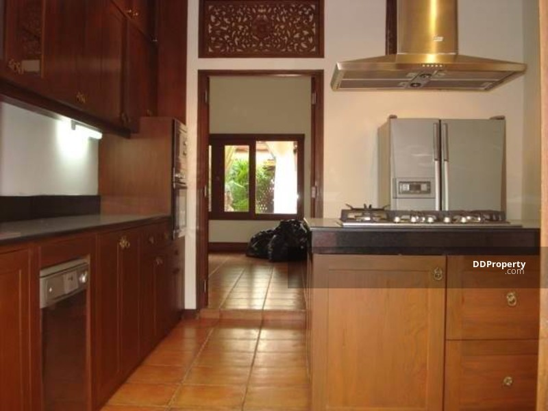 HOUSE FOR RENT/, private pool, 4bed, 500sqm, B200, 000@BTS Thonglor