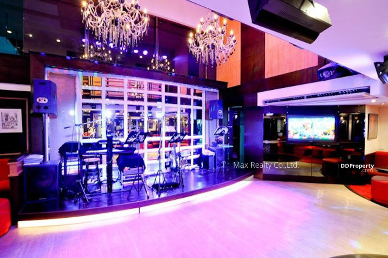 FOR SALE - Plaza Space Closed to BTS Saladaeng, MRT Silom GOOD INVESTMENT