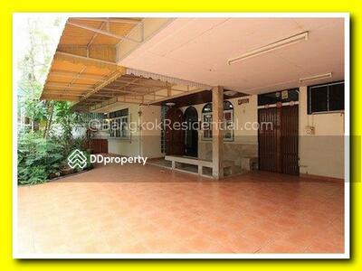 ให้เช่า - 2 Bed Single House For Rent in Nana BR7750SH