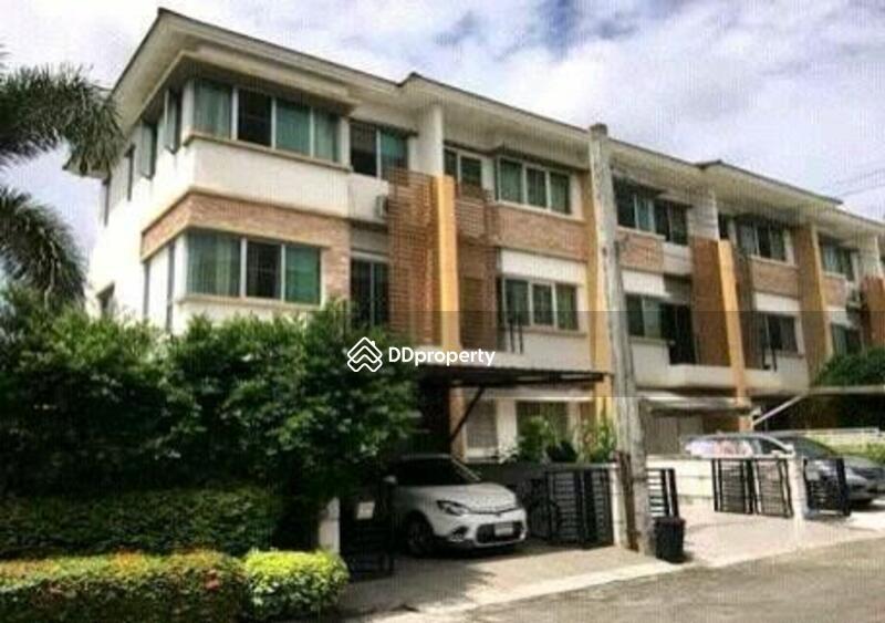 3 Bedroom Townhouse in Lat Phrao, Bangkok #64831137