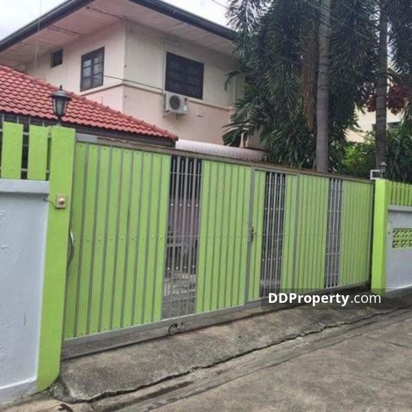 Detached House in Lat Phrao, Bangkok #64831205