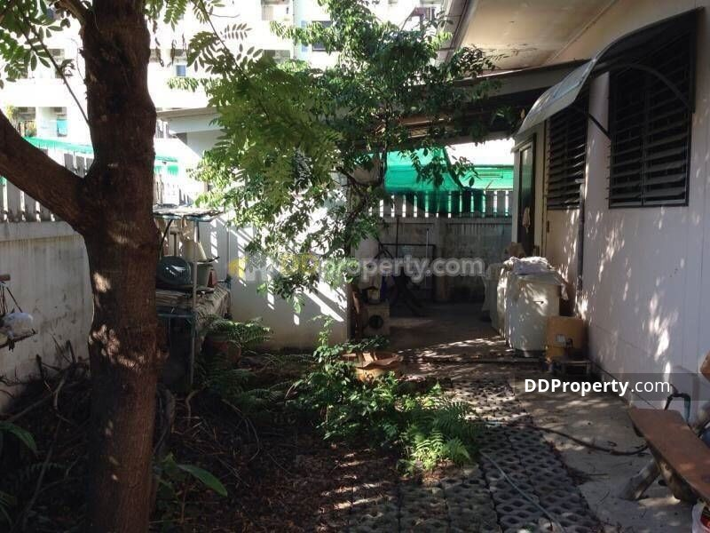 Detached House in Lat Phrao, Bangkok #64831207