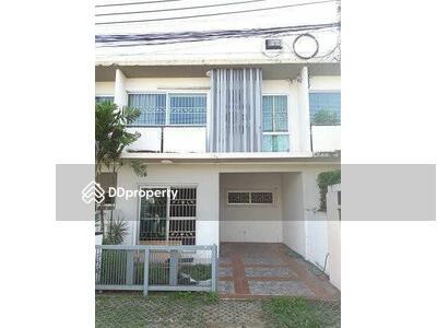 ให้เช่า - 3 Bedroom Townhouse in Lat Phrao, Bangkok