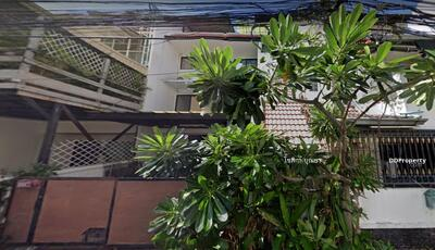 For Sale - For Sales - 300 sqm Townhouse near BTS Nana