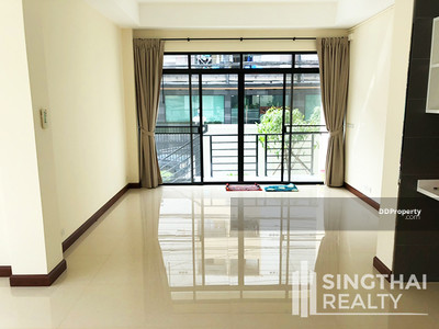 For Rent - House BTS Punnawithi 3 bed / 4 bath
