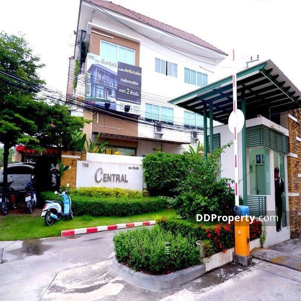 Townhouse in Si Racha, Chon Buri #66038051