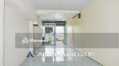 ให้เช่า - shophouse for rent in Main Ploenchit Bangkok Ploenchit BTS AA16038