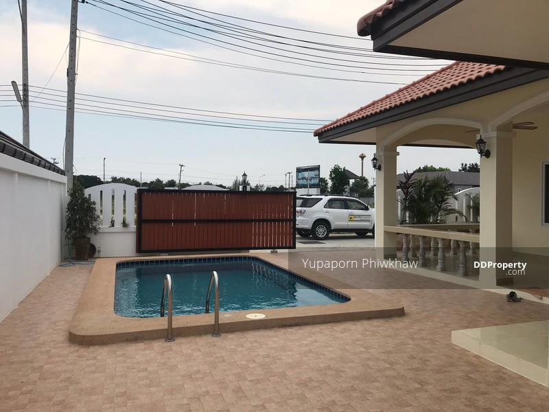 Cheap pool villa for sale in Hua Hin - Hua Hin beach is only 10 mins by car  - ready to move in