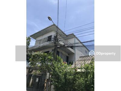 For Sale - บ้านเดี่ยวสูง 3 ขั้น เนื้อที่ 50 ตรว. อยู่ในซอยประชาราษฎร์บำเพ็ญ 35 ห้วยขวาง บ้านปลูกเต็มเนื้อที่ ห่างจากปากซอย 50 เมตร