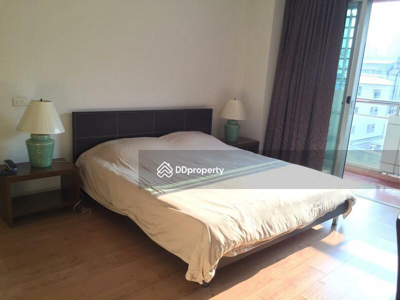 Silom Grand Terrace Condominium #67498621