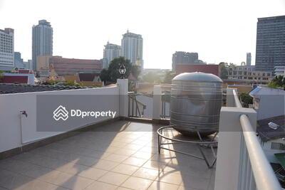 ให้เช่า - For Rent Bangkok Town house Sukhumvit BTS Ekkamai Watthana BRE4424