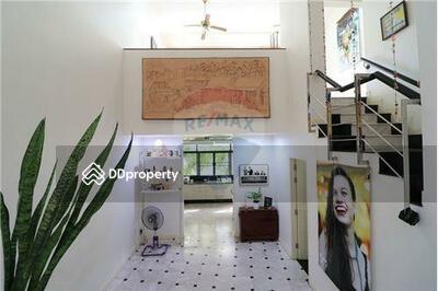 ขาย - ขาย ทาวน์เฮาส์ 4 ชั้น ย่านพระโขนง ซอย สุขุมวิท 71 หมู่บ้านโฮมเพลส [920391001-8